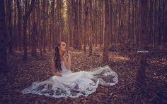 Bride - Noiva #retratista #retratosfemininos #bride #noiva #fineart #floresta #vestido #dress #sun #pordosol #ronnyviana #ronnyvianafotografia #Piracicaba #Brasil
