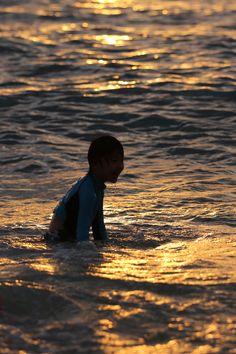 オレンジ色の夏の海を楽しむ ~ハワイ 夏旅~
