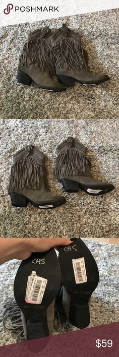 NWOT Very Volatile Los Angeles Fringe Cowboy Boots Super cute boots! Perfect for fall! Fringe is in this year! Reasonable offers accepted! Bundle for a private discount! Very Volatile Shoes Ankle Boots & Booties
