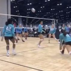This is an insane kill! She swung through with authority and the defenders were not ready! Save this pin for some volleyball inspiration! Volleyball Memes, Volleyball Set, Volleyball Practice, Volleyball Training, Volleyball Workouts, Coaching Volleyball, Girls Softball, Volleyball Players, Girls Basketball