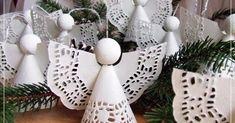 Christmas Kiss, Kids Christmas, Xmas, Paper Doilies, Christmas Ornament Crafts, Angelic Pretty, Seasons, Cards, Holiday Decorations