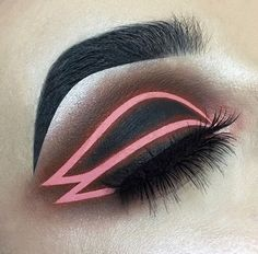 love this graphic liner Glam Makeup, Pretty Makeup, Love Makeup, Makeup Inspo, Makeup Art, Makeup Inspiration, Beauty Makeup, Hair Makeup, Eyeshadow Looks
