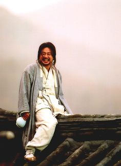 Chi-hwa-seonorChwi-hwa-seon, (also known asPainted Fire,Strokes of Fireor Drunk on Women and Poetry), is a 2002 South Korean drama film directed byIm Kwon-taekabout Jang Seung-up (Oh-won), a nineteenth-century Koreanpainter who changed the direction of Korean art.