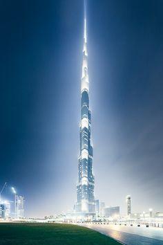 Burj Khalifa, Dubai   UAE (by Johannes Heuckeroth)