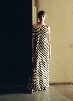 Vogue Paris, Backstage, How To Feel Beautiful, Mannequins, Women Wear, Runway, Feminine, Stripes, Elegant