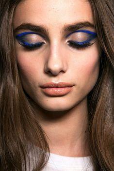 Beauty Trend: 10 Daring Blue Eye Looks #makeup #eyeshadow #eyeliner #eyebrows