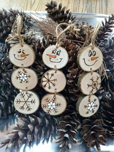 Weihnachten Holz gebrannter Schneemann Etsy Scope of laser surgery as a hair transplant procedure Fo Diy Christmas Decorations Easy, Christmas Wood Crafts, Snowman Christmas Ornaments, Little Christmas Trees, Wood Ornaments, Christmas Crafts, Snowman Crafts, Beaded Ornaments, Felt Christmas