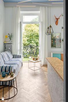 Pl Zbawiciela - zdjęcie od PRAKTYKA PRZESTRZENNA modern | scandi | colorful | living romm | small | design | big window | industrial