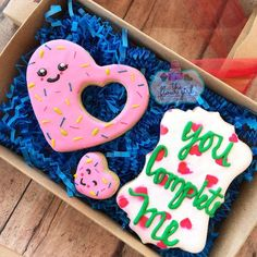 How to Make Easy Sugar Cookies for Valentines Day Kids Will Love - love heart cookie - Valentine's Day Sugar Cookies, Sugar Cookie Royal Icing, Fancy Cookies, Cookie Icing, Heart Cookies, Iced Cookies, Cute Cookies, Cupcake Cookies, Cupcakes