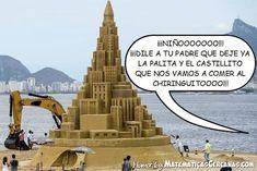 Cuando te emocionas haciendo castillos en la playa... #humor #verano #playa #arena #castillo #pala #retroexcavadora #chiringuito…