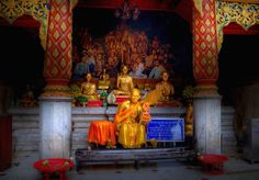 Buddyjski ołtarz
