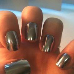 Mettalic Nail polishhh!!