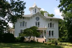 Architecture | Italianate Victorian - Mayhurst Inn located in Orange, VA