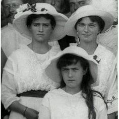 Maria, Olga and Anastasia Romanov - Zoom
