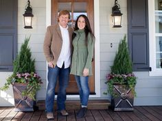 Fixer Upper sweethearts Chip and Joanna know that curb appeal is not a thing to take lightly when remodeling a home. Check out these 31 ideas that bring their renovated homes from drab to fab.