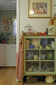 A holiday home is a good place for a nod to the 40's with vintage tablewear and even an old-fashioned apron.