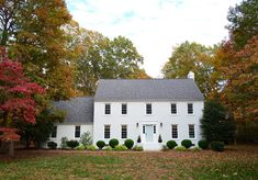 """Ask Romabio for their Masonry Flat Paint in the color """"Richmond White"""" White Brick Houses, White Exterior Houses, Modern Farmhouse Exterior, House Paint Exterior, Exterior House Colors, Ranch Exterior, Painted Brick Exteriors, Colonial House Exteriors, Painted Brick Walls"""