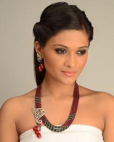 Banu Begum Neckalce and Earrings Set