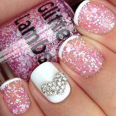 brillos en las uñas