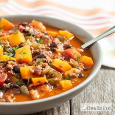 This Butternut Squash Chili is amazing for all those chilly evenings. Gather the family and warm up with a delicious bowl of this hearty and healthy dinner.