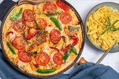 Kyllingfilet i ovnen med bagte tomater og frisk pasta Vegetable Pizza, Food Inspiration, Italian Recipes, Quiche, Foodies, Food And Drink, Keto, Dinner, Cooking