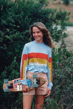 Quest Longboards is a top-selling longboard brand that is based in California, USA. We provide longboard skateboards that complement the leisure skaters' lifestyle! Hipster Outfits, Moda Skate, Girls Skate, 1970 Style, 70s Fashion, Vintage Fashion, Streetwear, 70s Mode, Vintage Skateboards
