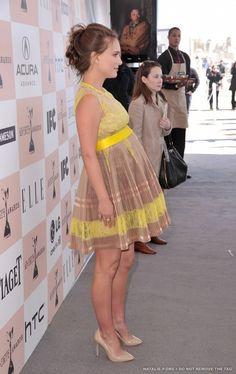 Linda escolha de cores - vestido para grávidas - gestantes pregnant dress ------------------------------------------- http://www.vestidosonline.com.br/modelos-de-vestidos/vestidos-gestantes