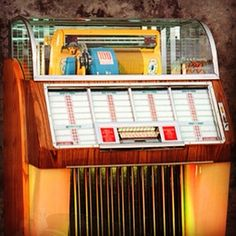 1952 Seeburg 100C Jukebox #jukebox #fifties #vintage #music #1950s #entertainment #instagood #collectibles see more at blog.retroplanet.com