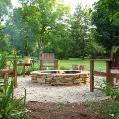 Firepit Design - gravel, mulch, plants around area