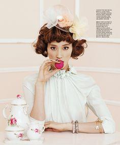 Singles Korea February 2012 *The Dessert Lady*