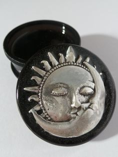 Sun & Moon Face Three part Magnetic Herb Weed Tobacco Grinder Tantra, Puff And Pass, Moon Face, Pipes And Bongs, Smoking Accessories, Black Acrylics, Smoking Weed, Sun Moon, Kraut