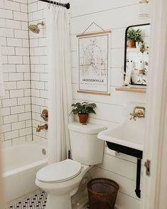 //𝓽𝓱𝓮𝓮𝓶𝓲𝓵𝓮𝓮𝓻𝓸𝓼𝓮 Bathroom Renos, Bathroom Renovations, Bathroom Interior, Home Renovation, Home Remodeling, Kitchen Remodeling, Bathroom Cabinets, Remodel Bathroom, Architecture Renovation
