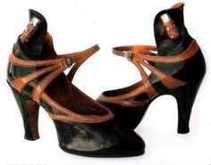 1920s shoes with lipstick holster