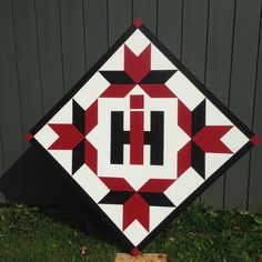 barn quilt blocks with barn quilts from farm girl vintage patterns Barn Quilt Designs, Barn Quilt Patterns, Quilting Designs, Barn Quilts For Sale, Painted Barn Quilts, Vw Vintage, Barn Art, Quilting Projects, Groomsmen