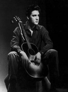 ELVIS IN 1958