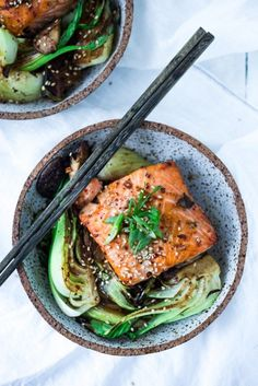 You're busy. You're hungry. We understand. Here are dinner ideas that take less than 30 minutes.               Teriyaki Salmon and Bok ChoyThis teriyaki salmon and bok choy may look and taste...