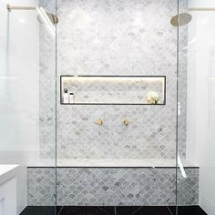 Fish scale tile, also known as mermaid tile. Beautiful modern bathrooms and kitchens Fish scale tile, also known as mermaid tile. Beautiful modern bathrooms and kitchens Ensuite Bathroom, Stone Interior, Master Shower, Feature Tiles, Fish Scale Tile Bathroom, Laundry In Bathroom, Amazing Bathrooms, Tile Bathroom, Double Shower