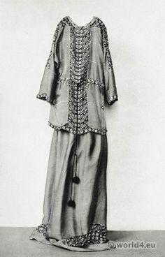 Dress Crepe de Chine by Yvonne Brick. Vienna's Workshops design.