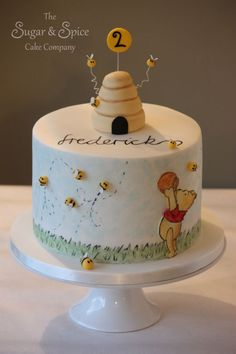 Love this Winnie the Pooh cake (and very simple to decorate!)