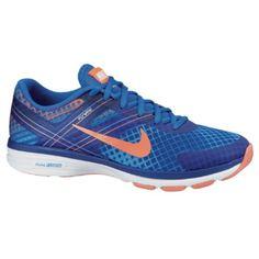 Nike DUAL FUSION TR 2 PRINT to damski but biegowy na zarówno miękkie i twarde nawierzchnie wykonany z pianki o dwóch rodzajach gęstości zapewniających optymalną amortyzację. Siateczkowacholewka zapewni odpowiednią cyrkulację powietrza a niska waga zagwarantuje wysoki komfort użytkowania.