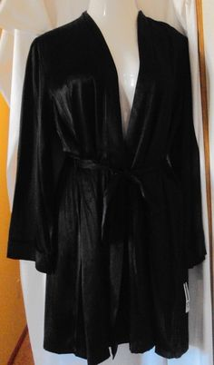 ND Intimates Black Satin Robe and Chemise Size Large #NDIntimates #RobeGownSets