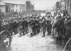 1916 - Régiment se rendant à Verdun : photographie de presse / Agence Rol