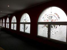 Polep okien, vitráž zo samolepky #tlač #nálepka #výklad #samolepka Creative Advertising, Bratislava, Windows, Ramen, Window