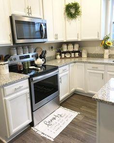 25 Amazing Farmhouse Kitchen Makeover Design Ideas - Page 20 of 25 - Farida Decor Farmhouse Kitchen Cabinets, Kitchen Redo, Home Decor Kitchen, New Kitchen, Home Kitchens, Kitchen Remodel, Kitchen Dining, Kitchen Decorations, Awesome Kitchen