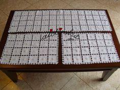 Conjunto de naperons/caminhos mesa de quarto bordados à máquina e com picô