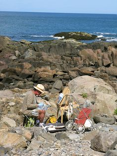 Artist painting along the Marginal Way in #Ogunquit, Maine