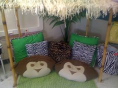 Reading Hut- I SO hope my new room has space for this! Jungle Theme Classroom, Classroom Setup, Classroom Design, Classroom Displays, School Classroom, Classroom Organization, Classroom Libraries, Reading Hut, Reading Nooks