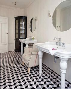 Nuevo Estilo - bathrooms - black and white marble floor, black and white marble tiled floor