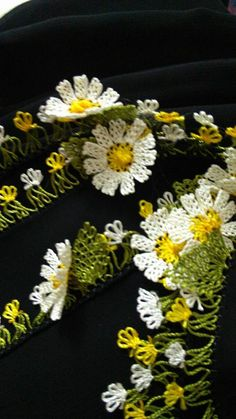 Lace Flowers, Crochet Flowers, Needle Lace, Silk Crepe, Diy And Crafts, Handmade, Arms, Hand Made, Crocheted Flowers