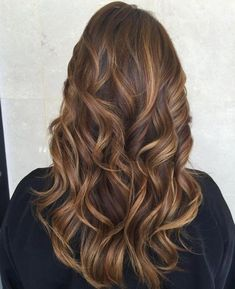 Caramel Highlights Long Hair | Hair Inspo. Hair Ideas. Hair Color. Hair Color Ideas. Brunette. Highlights. Lowlights